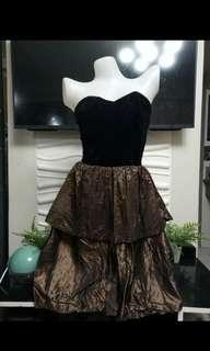 PRELOVED Black and Bronze Tube Dress