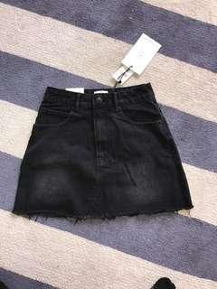 brand new black skirt