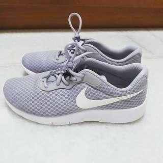 Original Nike Grey Tanjun Sneakers