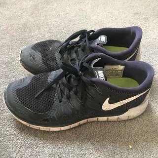 nike shoes size 5.5