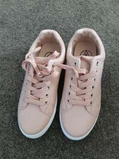 Missguided solid lace up trainers nude size 39