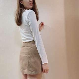 Brown skirt (with buttons)