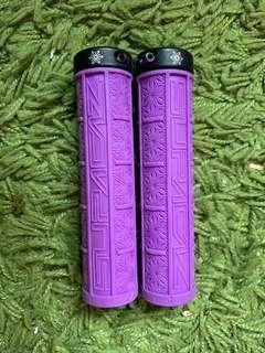Supacaz grip with Titanium bolts