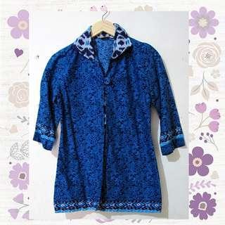 T07_Batik Biru