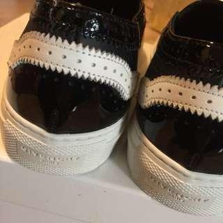 Givenchy 鞋