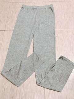 🚚 全新莫代爾棉淺灰色內搭褲