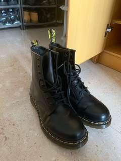 Dr Martens 靴