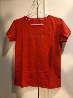 Kaos tommy hilfiger merah oren