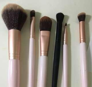 cotton on rose gold brush set + black eyeshadow brush