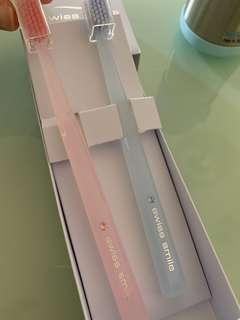 Swiss Smile 水晶情侶牙刷套裝diamond glow two toothbrushes Swarovski