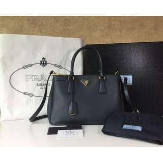 83c16ae9b064  PRADA BN1801 SAFFIANO LUX LEATHER DOUBLE ZIP SMALL TOTE BAG