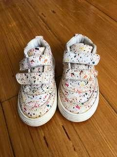 🚚 Zara Baby Shoes size 19
