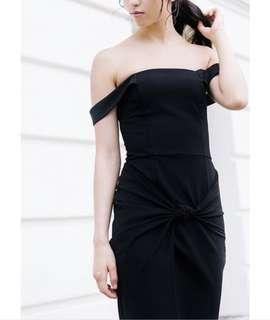 🚚 Ohvola Hyal Knot Front Dress (Black)