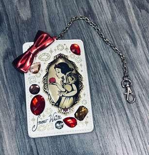 🚚 BN Tokyo Disney Resort Snow White Diamond Studded Card Holder with Strap