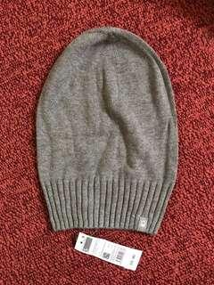 🚚 全新 班尼頓 UNITED COLORS OF BENETTON 灰色毛帽 S
