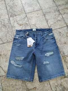 Celana Shorts Pull and Bear BNWT
