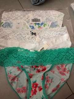 🚚 3 for $10 Gilly Hicks lace bikini
