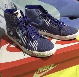 🚚 Nike 復古高筒鞋款 丹寧拼布 US8.5