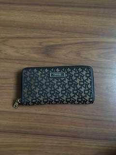 Preloved DKNY Wallet