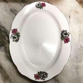 Oval plate BK