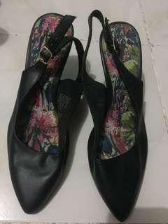 Fiomi heels shoes (payless)
