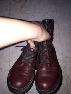 Rusty Lopez maroon boots