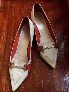 Gucci low heeled formal shoes