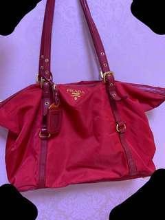 Prada紅色側咩袋
