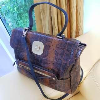 Longchamp Ladies Leather Shoulder Handbag Large Size