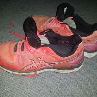 ASICS gel size US9.5 Netball shoes