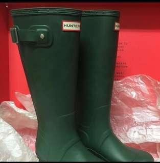 ⛈🌧Hunter Rain Boots 💮💥Hunter Rain Boots (size US 8)  蝕讓。*🌧⛈雨季來臨著住水靴🌧咁就唔怕濕喇~