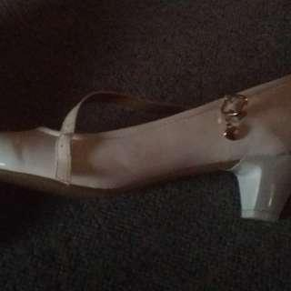 Size 5 formal shoes, off white.Chch