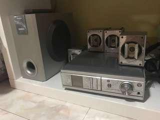 🚚 DVD + 6 Speakers (Panasonic)