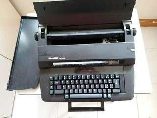 懷舊打字機 typing machine
