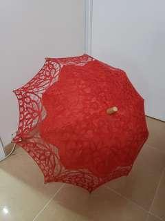結婚出門通花紅傘