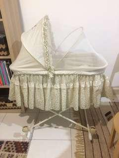 Baby court / cradle