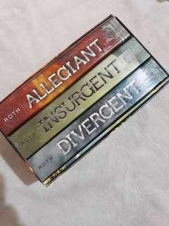 Diveregent boxed set by Veronica Roth