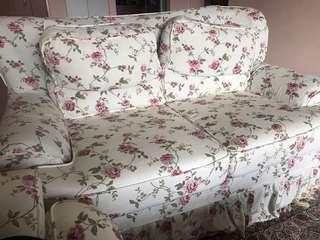 🚚 2 seater sofa