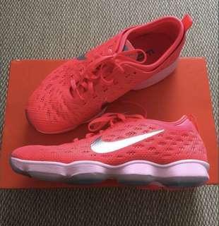 🚚 Nike Zoom Fit Agility US8/25cm