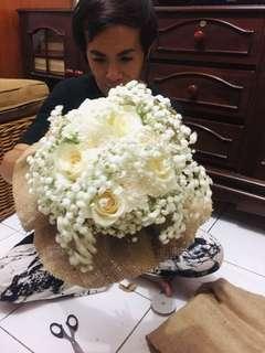 Hand Bouquet costum
