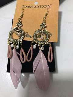 🚚 Earring