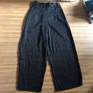 Black cullotes