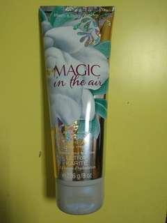🚚 《Bath & Body Works BBW 》保濕香水身體乳霜【空中魔法】Magic in the air