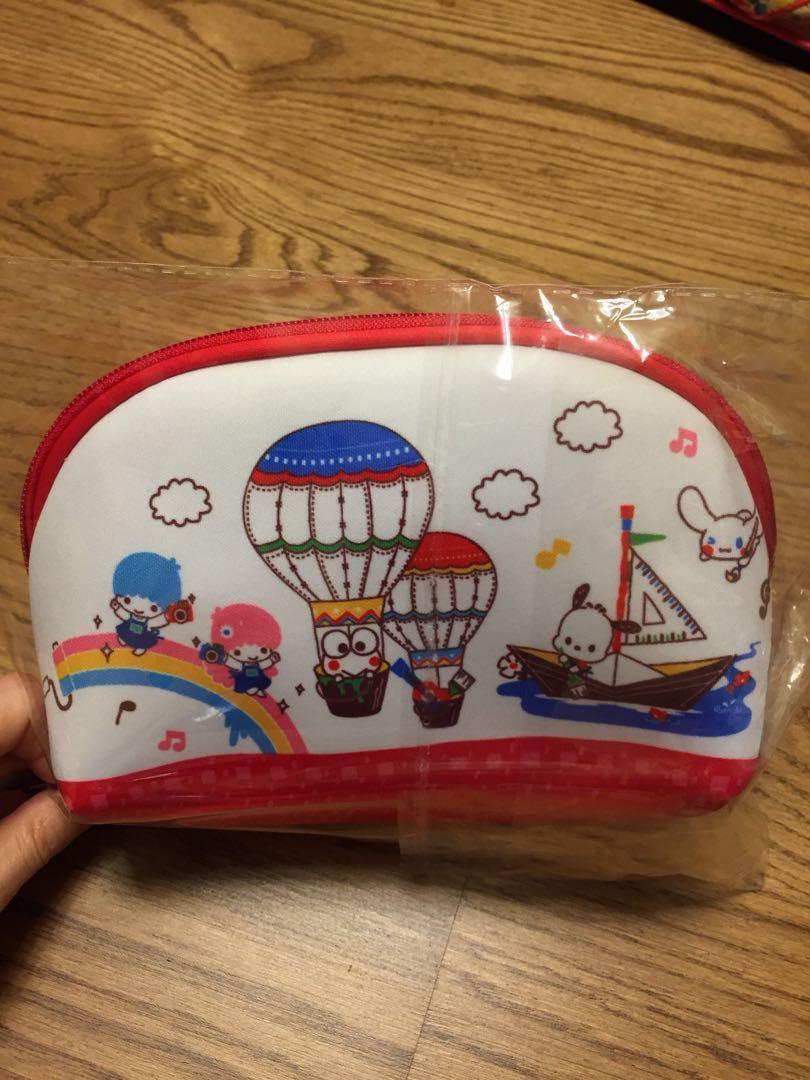 東方新地 新假期 特別版 Sanrio Character 化妝儲物兩用袋