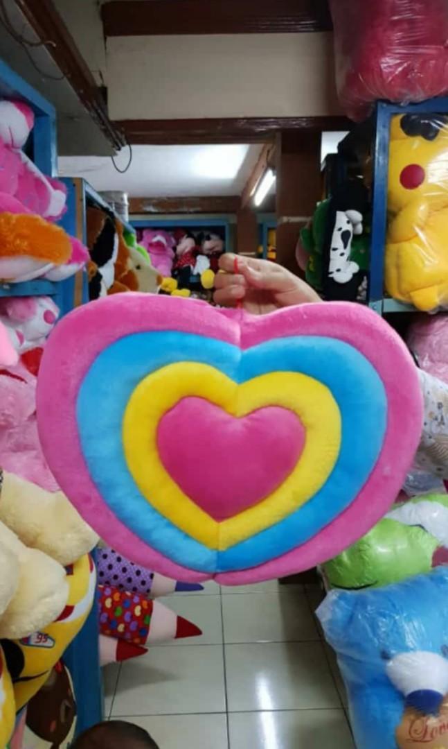 BONEKA BANTAL LOVE PELANGI