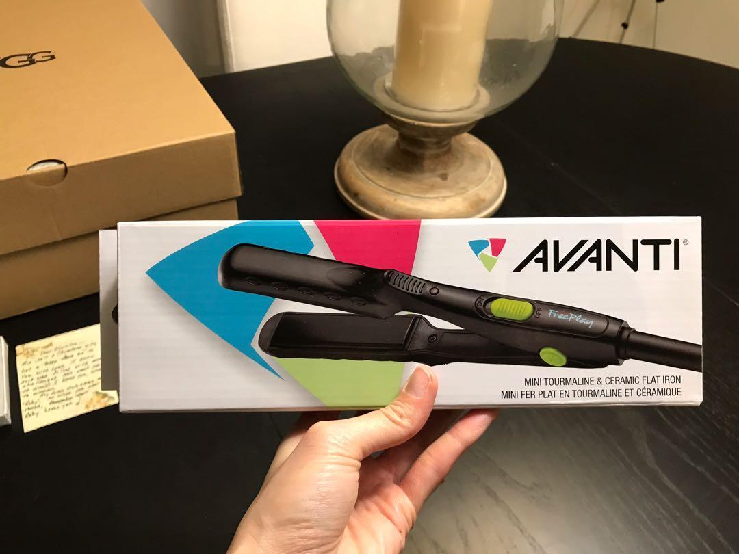 NEW Avanti Hair Straightener Mini *Travel Size  410 degrees