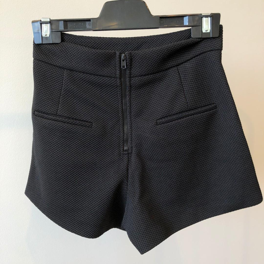 Noughts And Crosses Black High Waisted Shorts (Aus Size 6)