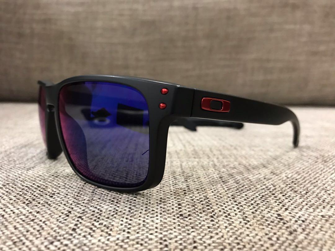 3e961d3ccc Oakley™ HOLBROOK (Matte Black Positive Red Iridium)
