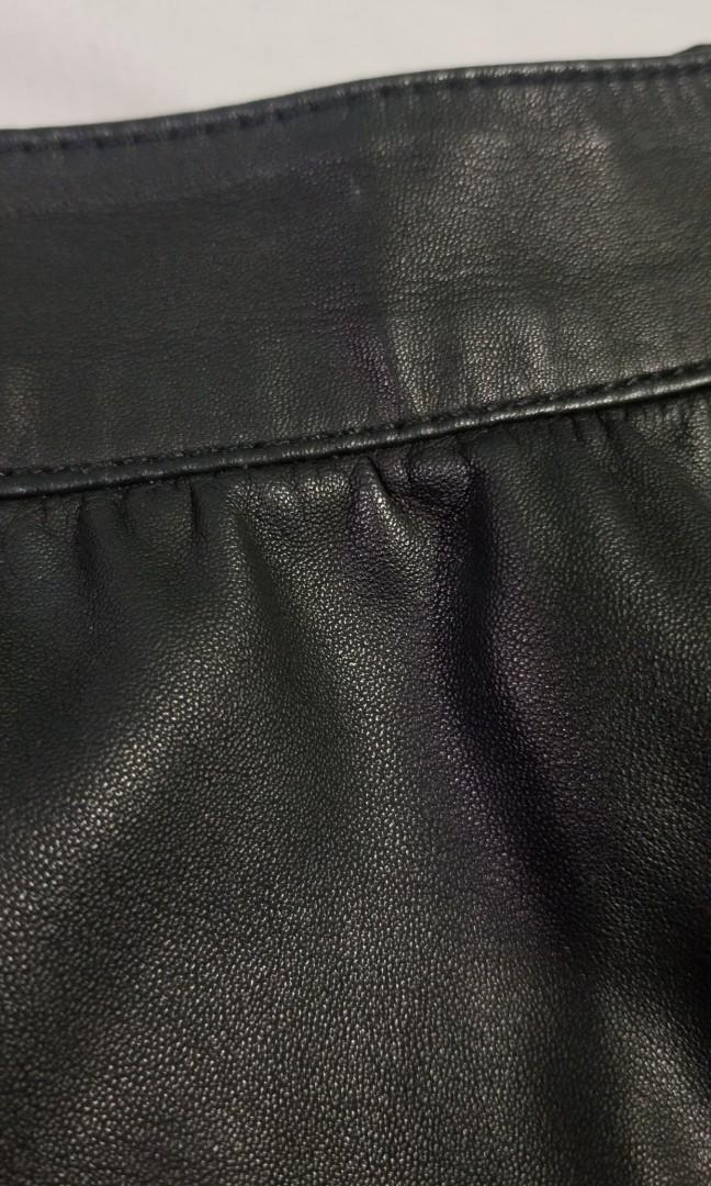ONLY - size 40 - Womens vegan leather circle skirt with zip on back