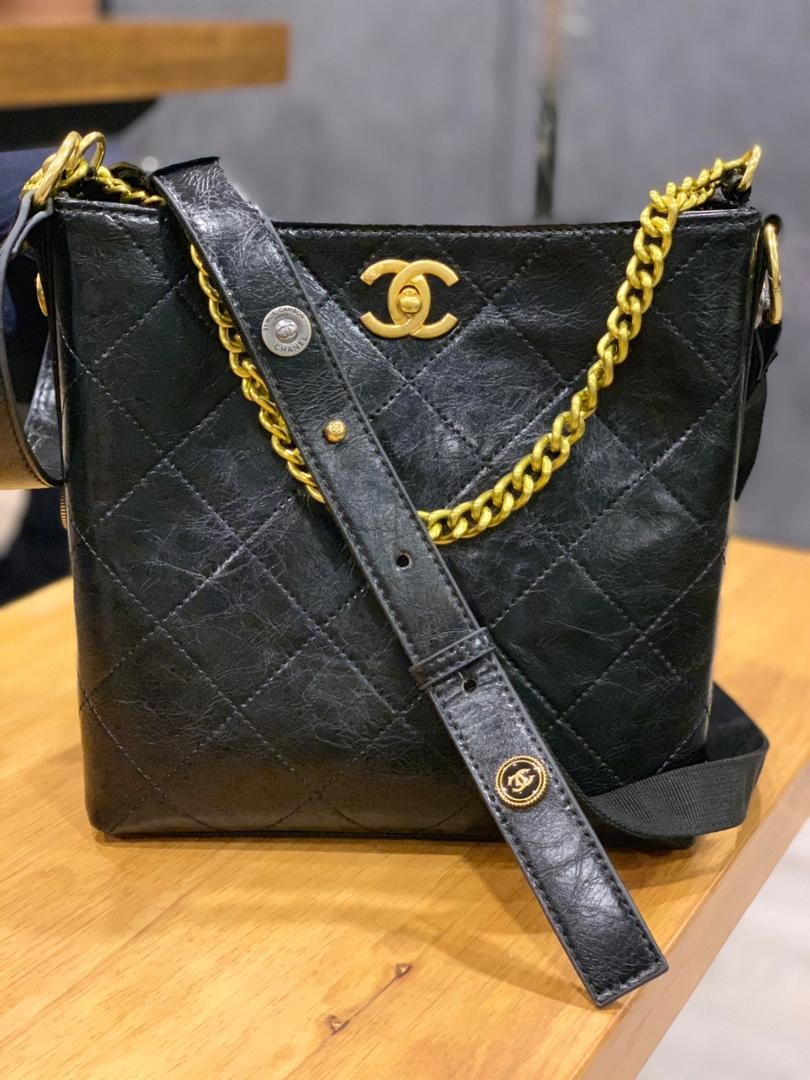 7e4105cdd6c0 Ready Stock📣 Chanel Button Up Hobo /Premium Grade, Women's Fashion, Bags &  Wallets on Carousell